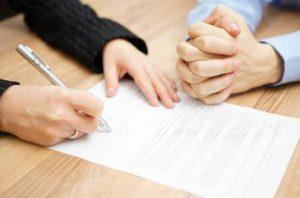 ニュージーランドは婚前契約を交わす
